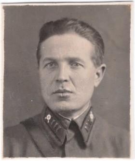 Комиссар Андрей Белов