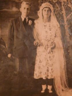 Дедушка Михаил Тимофеевич и бабушка Надежда Фёдоровна, фото 1945 года