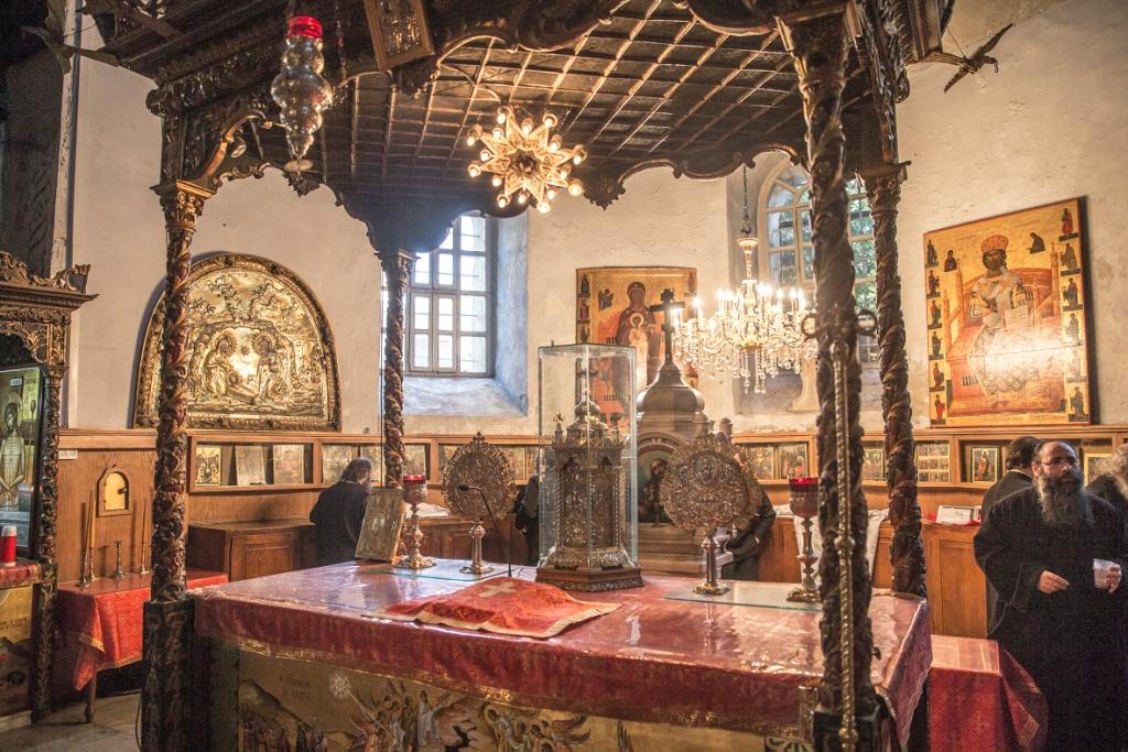 Церковный алтарь который меняется на праздники