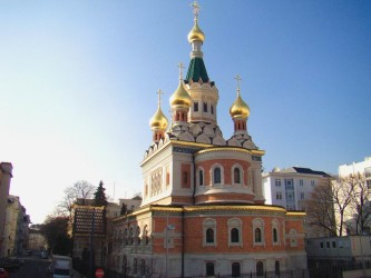 Кафедральный Никольский собор в Вене. В 1893—1899 годах построен при российском императорском посольстве. Любимая церковь Анастасии Сандхакер на ее родине