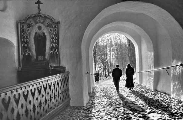 Псково-Печерский монастырь. 1999 год. Фото Геннадия Михеева