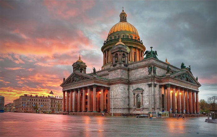 Saint_Isaac's_Cathedral_by_Ivan_Smelov